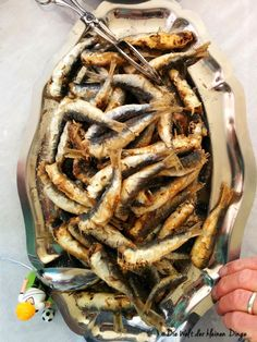 Die Welt der kleinen Dinge: WM-Spezial: Kick aus fernen Töpfen – Kroatien und d… The world of small things: World Cup special: Kick from far away pots – Croatia and the sea Sardine Recipes, Fish Recipes, Croatian Recipes, Yummy Food, Tasty, Asparagus Recipe, Smoking Meat, Fish And Seafood, Finger Foods