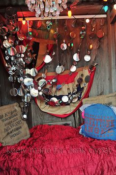 rustic americana GLaM...our outhouse turned photobooth at jg prom!