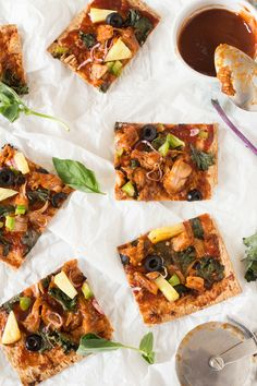 This vegan thin crust bbq jackfruit pizza uses lavish bread as a crust and is easy to make, bursting with flavour and completely satisfying.