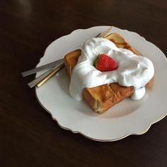 Think Food, I Love Food, Good Food, Yummy Food, Cute Desserts, Dessert Recipes, Café Chocolate, Food Goals, Cafe Food
