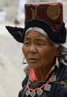 India | Portrait of a women from Ladakh | ©Rob Sips
