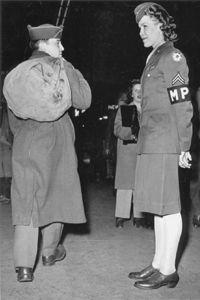 Corporal Joos on duty Military Women, Military Police, Military Personnel, Military History, Women's Army Corps, Joining The Military, Women's History, Korean War, American Soldiers