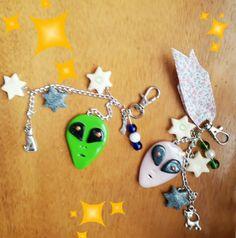 Porte clef/bijoux de sac Madame et Monsieur Alien phospho /Creation unique