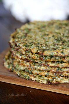 Tortilla z kalafiora Vegetarian Recipes, Healthy Recipes, Grilled Sandwich, Chapati, Healthy Cake, Bon Appetit, Paleo, Food And Drink, Favorite Recipes