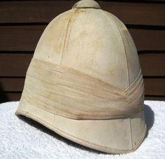 28/LXI Militaria UK – Headdress – Victorian / Boer / Zulu War Period British Army Officers 1871 Pattern Foreign Service Pith Helmet.