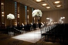 mariage baroque chic deco salle ivoire blanc noeud noir  inside weddings Carnet d'inspiration mariage Mademoiselle Cereza