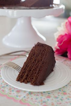 This moist, dense triple chocolate bundt cake will satisfy your chocolate cravings. Chocolate, syrup and cocoa make this cake a chocolate lover's dream come true. Coffee Frosting Recipe, Chocolate Buttercream Frosting, Frosting Recipes, Chocolate Ganache, Torta Chocolate, Divine Chocolate, Coffee Cheesecake, Cheesecake Recipes, Dessert Recipes