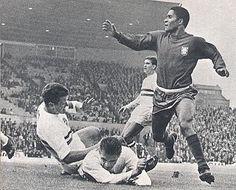 Eusébio no Mundial de 1966, durante o jogo entre Portugal, e a Hungria. Portugal ganhou por 3 a 1.