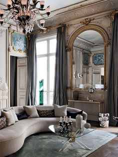 Glam - I love how airy and light and spacious this feels - timeless living room decor - LUV