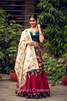 Choli Blouse Design, Choli Designs, Lehenga Designs, Saree Blouse Designs, Garba Dress, Navratri Dress, Chanya Choli, Wedding Dress Patterns, Indian Attire