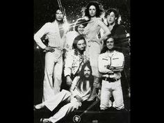 Loved Jefferson Airplane with Marty Balin & Grace Slick. Loved Jefferson Starship with Grace Slick & Mickey Thomas. 70s Music, Live Music, Music Songs, Music Videos, Music Quotes, Grace Slick, Rock N Roll Music, Rock And Roll, Woodstock