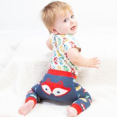 Quality, organic baby clothes for little ones aged newborn - 2 years. Discover the collection now! Organic Baby Clothes, Kite, Little Ones, Shopping Bag, Cool Outfits, Kids Rugs, Serendipity, Claire, Model