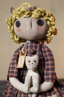 Shelli Doll and her kitten