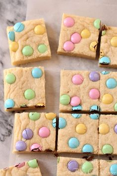 M&M Sugar Cookie Bars – Tina's Chic Corner # easter Desserts M&M Sugar Cookie Bars Brownie Cookies, Sugar Cookie Bars, Crinkle Cookies, Chip Cookies, Sugar Cookies, Slow Cooker Desserts, Easter Candy, Easter Treats, Easter Snacks