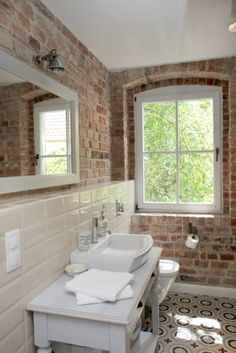 Home Interior White .Home Interior White Brick Bathroom, Small Bathroom, Dream Bathrooms, New Interior Design, Bathroom Interior Design, Interior Colors, Bad Inspiration, Family Room Design, Home Decor Trends