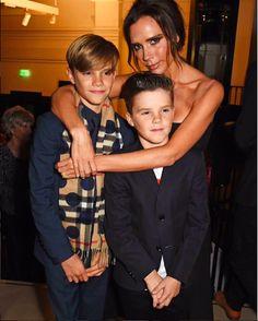 """""""É difícil ser esposa, mãe e empresária dona de uma marca"""", diz Victoria Beckham https://angorussia.com/entretenimento/famosos-celebridades/dificil-esposa-mae-empresaria-dona-marca-diz-victoria-beckham/"""