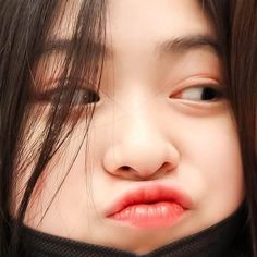 My twin ehe Trendy Wallpaper, Ulzzang Girl, New Girl, K Idols, Korean Girl Groups, Kpop Girls, Girl Crushes, Cool Girl, Asian Girl