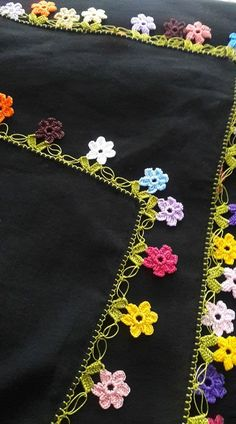 Untitled Crochet Borders, Crochet Flower Patterns, Crochet Flowers, Crochet Lace, Crochet Stitches, Creative Embroidery, Hand Embroidery, Saree Tassels, Lace Design