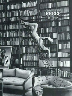 Libros y moda. #photo #vintagebook #vintage #book #libro