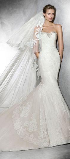 Vestidos de novia para este 2015.  Inspírate más http://bodatotal.com/   vestido- novia-blanco-