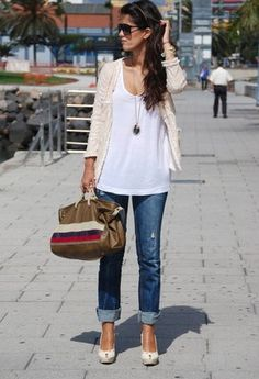 My outfit: white top (tank?), cream hooded open cardi, boyfriend jeans