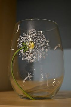 Painted Dandelion / The Pottery FactoryIt's another fun evening of wine glass painting with Maureen! The Dandelion wine glass is the most popular wine glass design we've ever painted.Looking for a fun night out with the girls? Join us for a night of w Wine Bottle Art, Painted Wine Bottles, Hand Painted Wine Glasses, Wine Glasses Painted Designs, Decorated Wine Glasses, Decorated Bottles, Wine Glass Crafts, Wine Bottle Crafts, Dandelion Wine