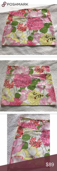 "{Burberry} Floral Mini Skirt New without tags! Burberry London floral mini skirt with large waistband, side zip and two small front slit pockets. Approx 15"" long. Burberry Skirts Mini"