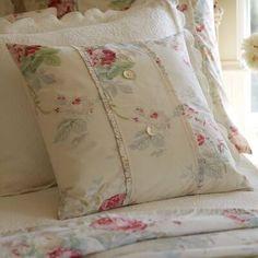 Charlton Home Lurdes Rose Porch Cotton Down Floral Throw Pillow Shabby Chic Pillows, Shabby Chic Bedrooms, Shabby Chic Homes, Shabby Chic Style, Shabby Chic Furniture, Shabby Chic Decor, Modern Bedroom, Shabby Chic Quilts, Romantic Bedrooms
