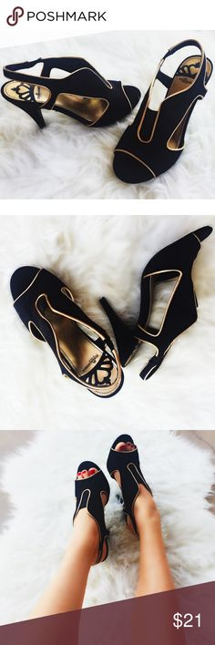 Sexy gold and black heels Super cute and flirty heels❤️ easy to wear. No rips or holes! Shoes Heels