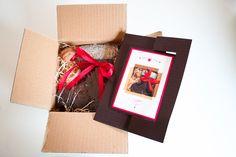 Weihnachtskarte als Twistcard mit Geschenk Karte zum Drehen, Braun, Rot, Creme, Lebkuchen, Stiefel ©passion4paper