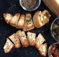 Palitos de croissant tostados con sabor personalizado.