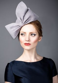 Rachel Trevor Morgan, A/W 2014. Grey fur felt teardrop pillbox with felt bow. #passion4hats