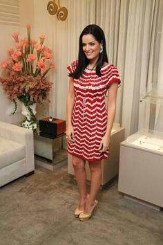 Vestido crochet combinando rojo y blanco.