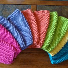 Simple Seed Stitch Dishcloth: free knitting pattern - need to sign in with Ravelry Grannies Crochet, Knit Or Crochet, Crochet Crafts, Yarn Crafts, Sewing Crafts, Free Crochet, Diy Crafts, Dishcloth Knitting Patterns, Crochet Dishcloths