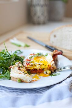 Sourdough Egg Toast with Sriracha and Roasted Red Pepper Spread - Lillie Eats and Tells Fried Egg On Toast, Egg Toast, Fried Eggs, Quick And Easy Breakfast, Breakfast Time, Breakfast Specials, Brunch Recipes, Breakfast Recipes, Breakfast Ideas
