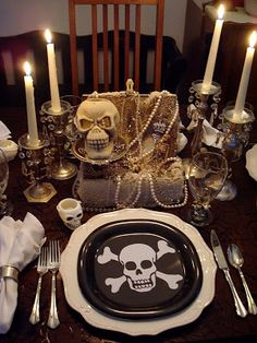 A Pirate Party! Lovely table setting for  a Pirate Party!  #pirateparty #pirates #piratetablescape