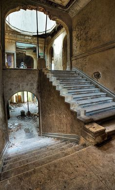 Lillesden school for girls (derelict, abandoned, forgotten).Upstairs downstairs by Lensflaredave, via Flickr