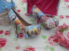 Disney Princess Decoupage Glitter Story Book Heels on Etsy, Disney Style, Disney Love, Disney High, Walt Disney, Princess Theme, Disney Princess, Disney Heels, High Heels For Kids, Disney Outfits