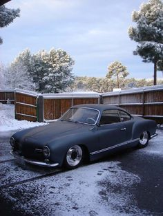 Karmann Ghia(flat black)