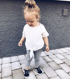 Mom to Amelia and Bianca 👧🏼👧🏼 Cute Kids Pics, Cute Outfits For Kids, Toddler Girl Outfits, Baby Girl Fashion, Toddler Fashion, Kids Fashion, Noora Style, Cute Little Girls, Cute Baby Clothes