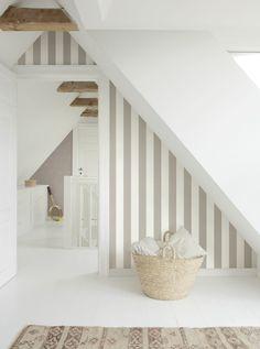 White needs contrasts - Simplicity, Feng Shui Beige Carpet, Diy Carpet, Bathroom Interior Design, Interior Decorating, Feng Shui Bathroom, Nordic Home, Nordic Style, Carpet Styles, Bedroom Carpet