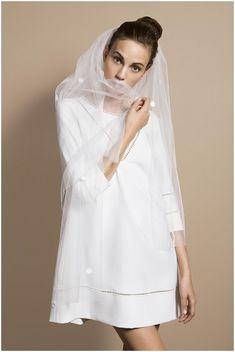 Robe de mariée Delphine Manivet - Collection 2014. Voile et dentelle. Jaimemarobe.com * Votre robe de mariée est précieuse. Pour qu'elle reste aussi belle que dans vos souvenirs, préservez-la dans nos coffrets d'exception inspirés des techniques muséales