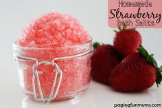 Homemade Strawberry Bath Salts - great Mother's Day gift idea!