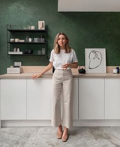 Outfits : Description She one of our favourite influencers with a wardrobe (and kitchen!) to die for, but Brittany Bathgate is so much more than that. A real champion of the High Street Fashion, Minimalist Fashion Women, Minimal Fashion, Minimalist Style, Minimal Clothing, Minimal Beauty, Minimal Outfit, Boho Clothing, Minimal Chic