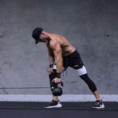 Kettlebell Workout Routines, Fitness Workouts, Gym Workouts For Men, Gym Workout Chart, Workout Routine For Men, Gym Workout Videos, Weight Training Workouts, Gym Workout For Beginners, Biceps Workout