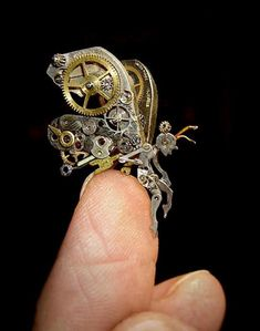 Steampunk Angel Sculpture by Susan Beutrice http://awesomeproductideas.com/