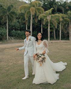 casamento jade seba e bruno guedes Boho Chic, Bridesmaid Dresses, Wedding Dresses, Jade, Decoration, Instagram, Fashion, Wedding Website, Wedding Details