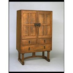 Cupboard - Arts and Crafts Movement, Waals, 1928 Arts And Crafts Interiors, Arts And Crafts Furniture, Arts And Crafts Supplies, Furniture Decor, Modern Furniture, Furniture Design, Bungalow Dining Room, Arts And Crafts Movement, Craftsman Furniture