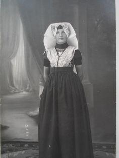 Oma S. #Zeeland #ZuidBeveland #katholiek