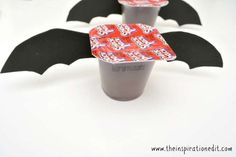 Chocolate Pudding Halloween Bats Snack For Kids · The Inspiration Edit